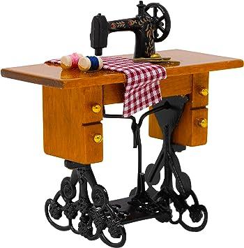 Amazon.es: Máquina de Coser Dollhouse 1:12 Dollhouse máquina de Coser para Aspecto Antiguo en tu casa de muñecas Escalada, por American Heritage Industires: Juguetes y juegos