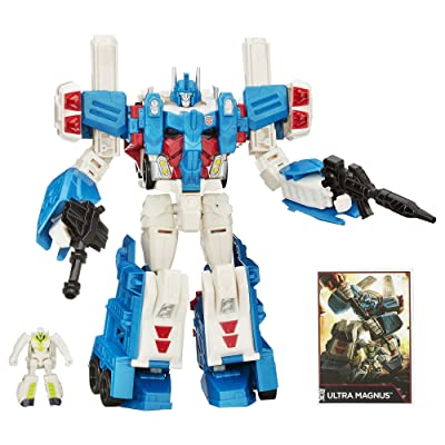Transformers Generations Leader Class Ultra Magnus Figure(Discontinued by manufacturer): Toys & Games