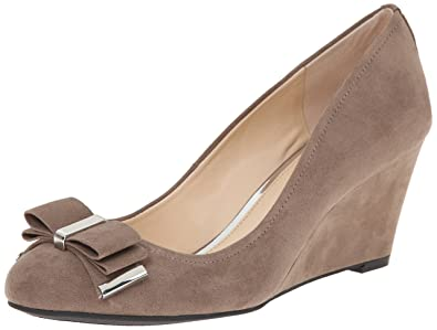 84af41c5b3b Jessica Simpson Women s Slane Wedge Pump