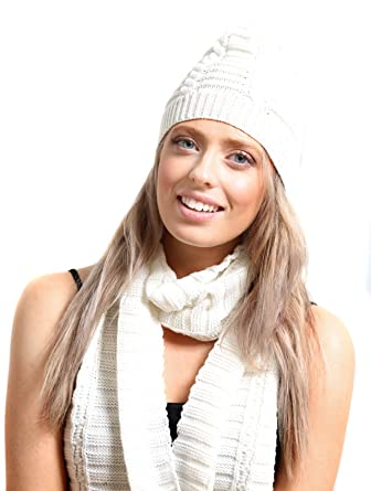 1989535a73d Ladies Cream Cable Knit Beanie Hat and Scarf Boxed Gift Set  Amazon.co.uk   Clothing
