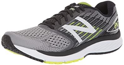 New Balance Men's 860v9 Running Shoe.
