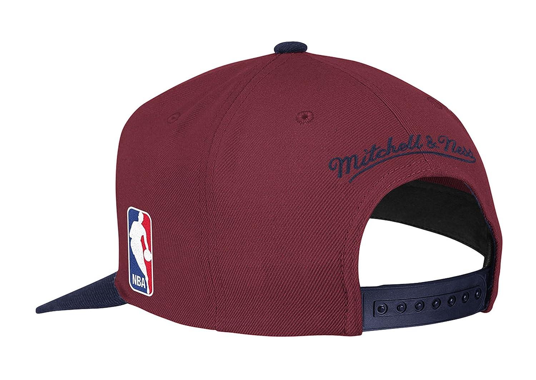 Amazon.com   Cleveland Cavaliers Mitchell   Ness Logo Snapback Cap Hat  Burgundy Navy   Sports   Outdoors 23737dbd9571