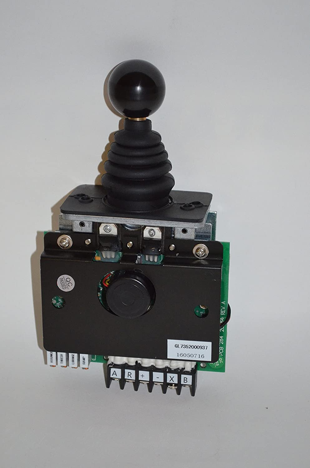 8105tnxZJpL._SL1500_ amazon com grove manlift joystick controller part 7352000847 Cam Switch Wiring Diagram at mifinder.co