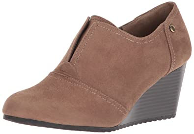 9055a6ecdee0 LifeStride Women s Punch Ankle Boot Taupe 5.5 ...