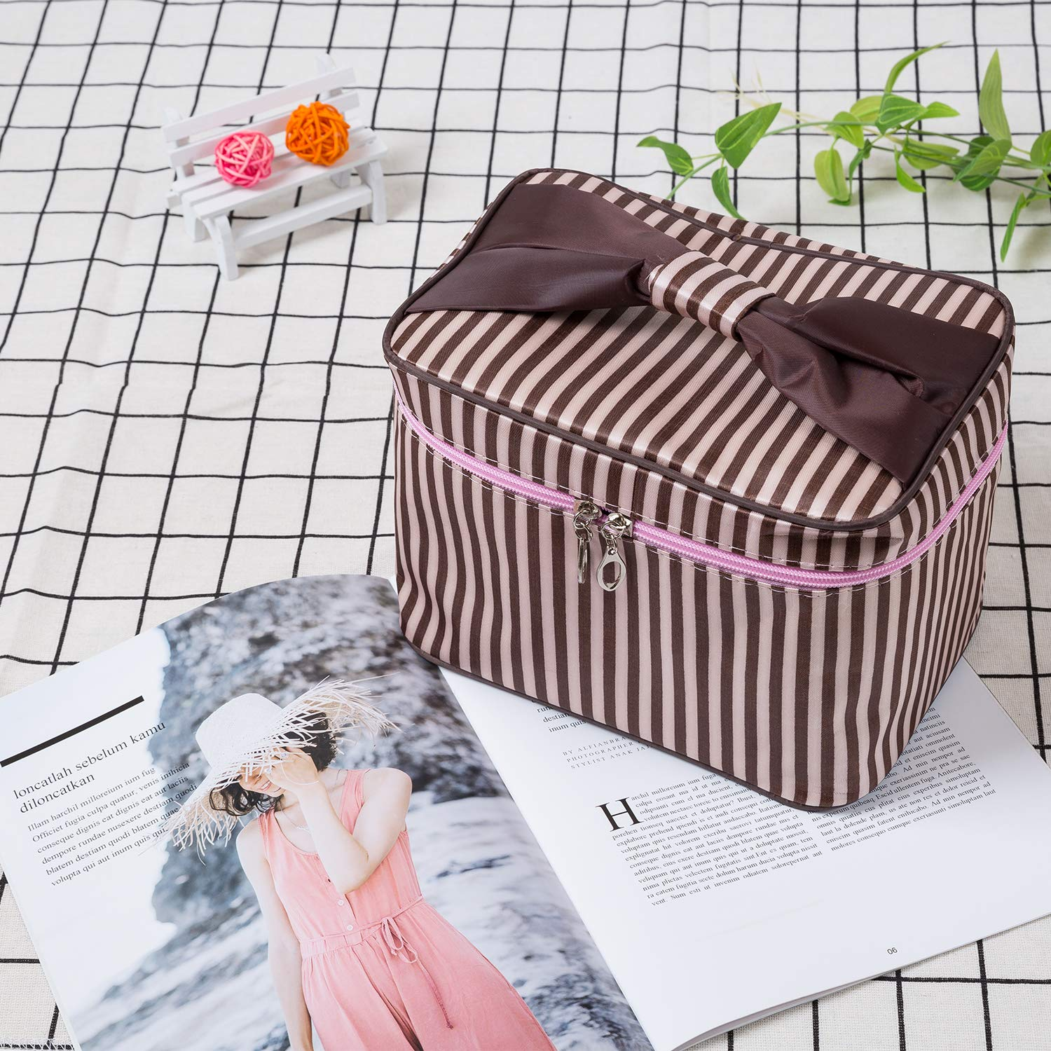 Women Portable Travel Cosmetic Bags with Brush Holder Make Up Bags (Coffee Stripe)