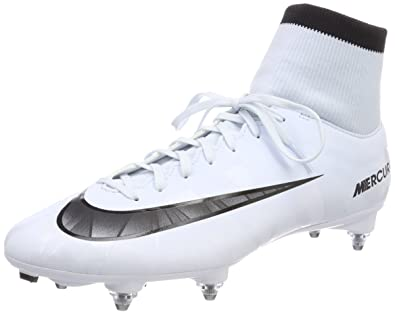 c3009223eb5 Nike Men s Mercurial Victory Vi Cr7 Df Sg Football Boots  Amazon.co ...