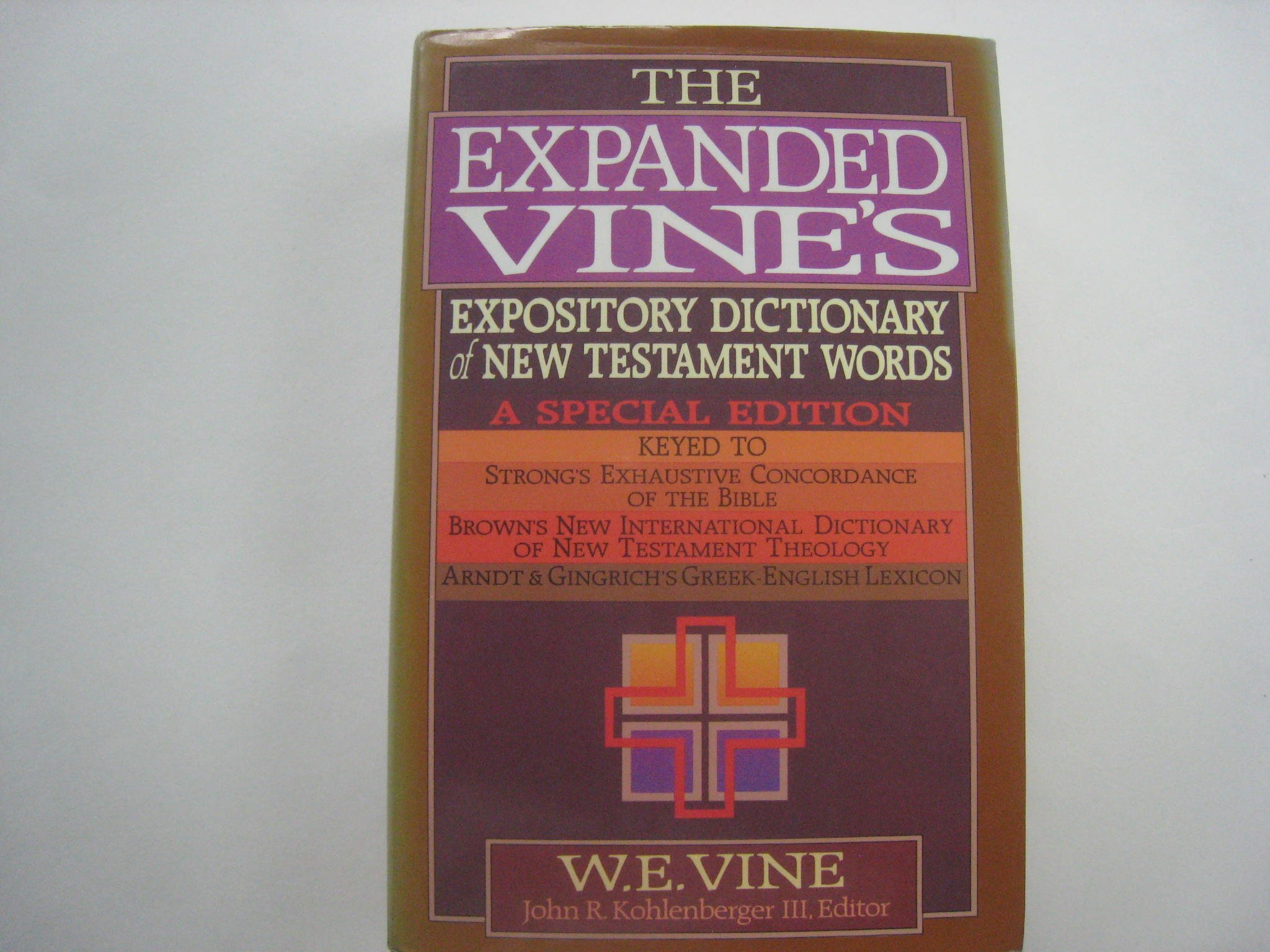 The expanded vines expository dictionary of new testament words the expanded vines expository dictionary of new testament words w e vine 9780871236197 amazon books fandeluxe PDF