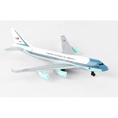 Daron Air Force One Single Plane: Toys & Games
