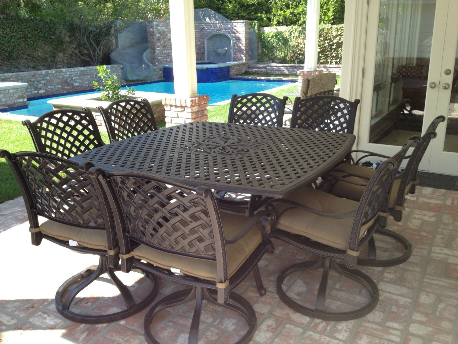 Amazon com nassau cast aluminum powder coated 9pc outdoor patio dining set with 64x64 square table antique bronze garden outdoor