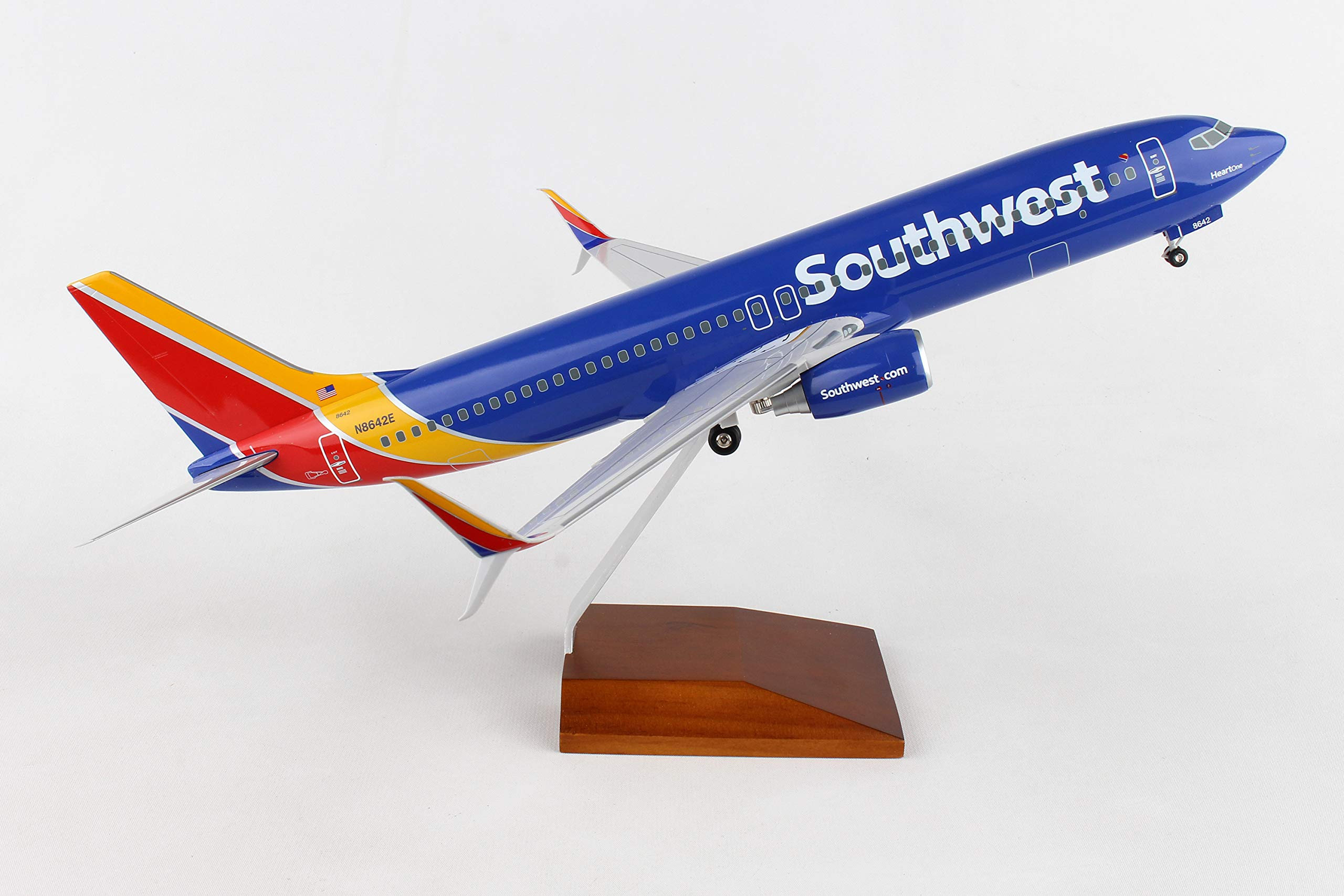 Daron 737-800 Skymarks Southwest Airplane Model with Gear & Wood Stand Heart (1/100 Scale) by Daron (Image #8)