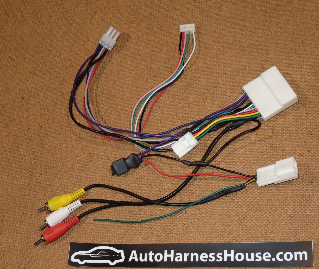AutoHarnessHouse Aftermarket Headunit Installation Adapter compatible with Subaru 2016-2019 by AutoHarnessHouse.com