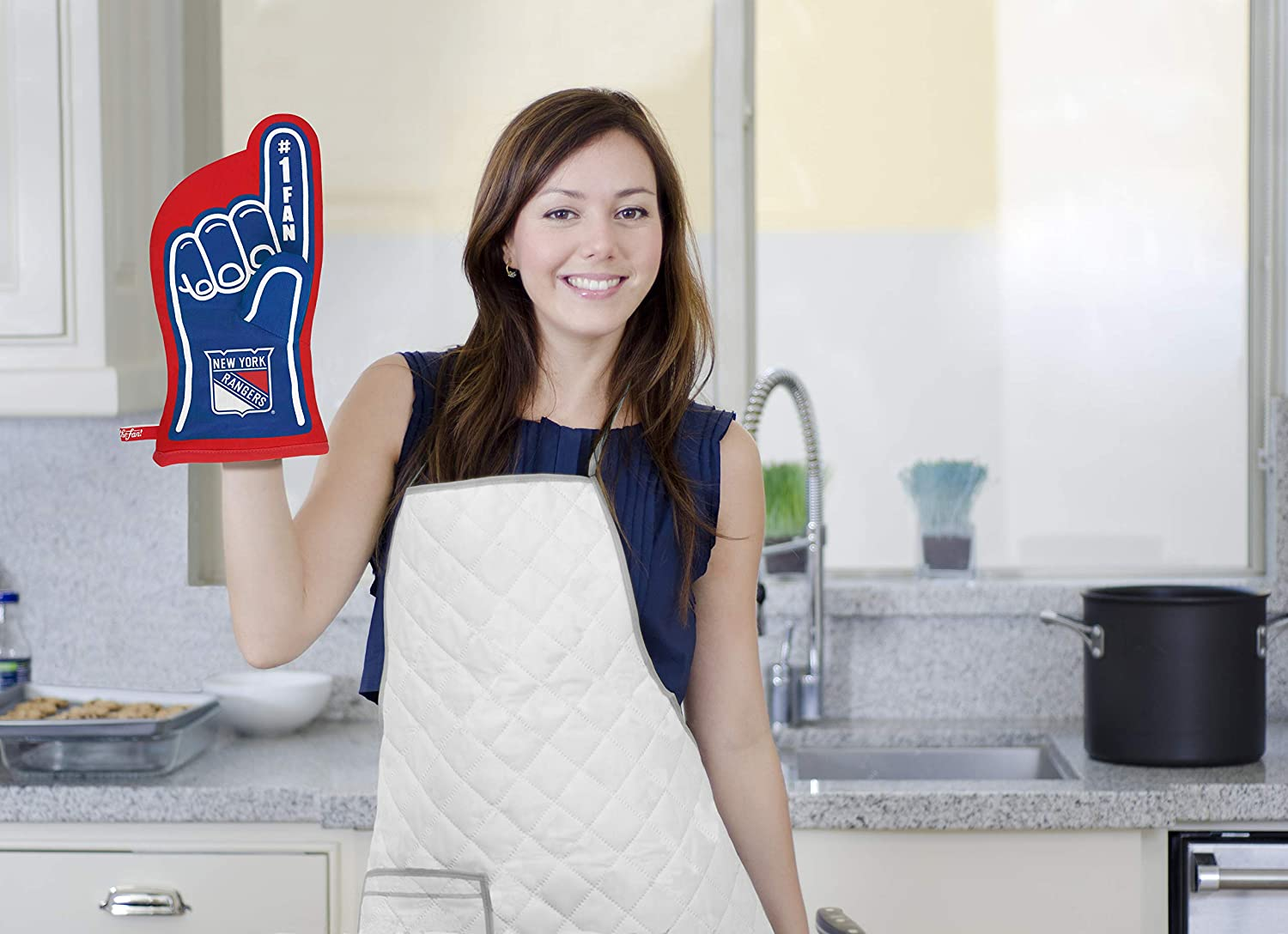 13.25 x 6.5 Heat Resistant 100/% Quilted Cotton Team Oven Mitt YouTheFan NHL #1 Oven Mitt