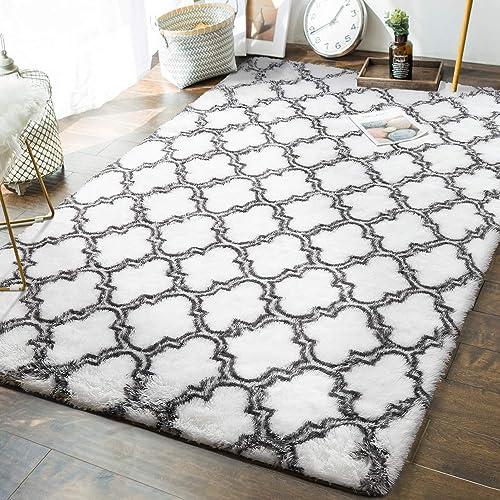 Andecor Geometric Bedroom Rug