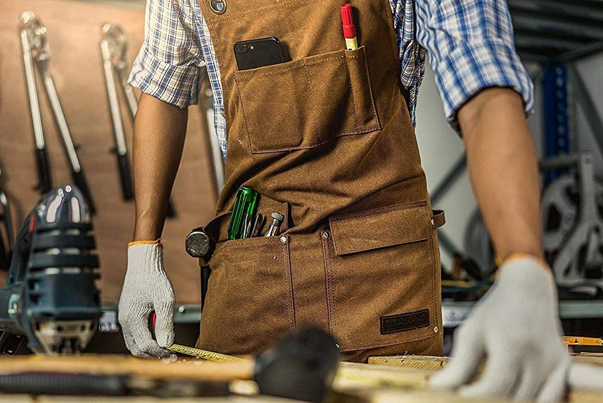 Best Woodworking Aprons 2021 – Reviews & Buying Guide
