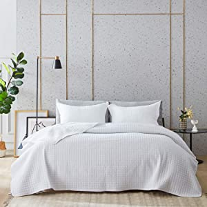 Western Home Quilt Set Full/Queen Size (90x96, White), Lightweight Reversible Bedspread with Squares Pattern Coverlet, Soft Microfiber Warm Bed Cover for All Season - 3 Pieces(1 Quilt,2 Shams)
