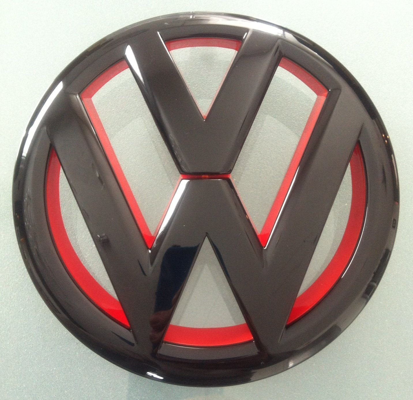 Euro Style Matte Black Red Inlay Front Grille Emblem For VW Golf MK6 1.4T 2.0T GTI TDI by autobizpro: Amazon.es: Coche y moto