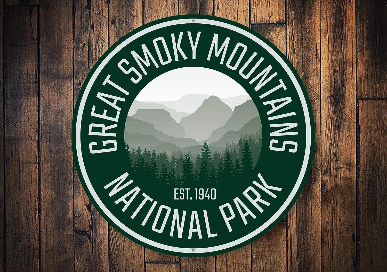 Great Smoky Mountains, Smoky Mountains, Gatlinburg Mountain Sign, Mountain Climbers, Travel Decorations, Traveling Decoration - Metal Sign