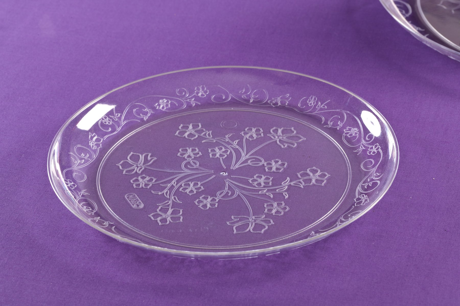 Premium Quality Heavyweight Plastic Plates China Like. Wedding and Party Dinnerware Plastic Plates 20 count, 7 inch, Clear