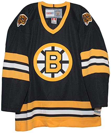 Amazon.com   Vintage Boston Bruins 1981-1995 Road Black CCM Hockey ... 18361bcc5