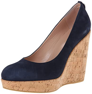 cdabf03473376 Amazon.com: Stuart Weitzman Women's Corkswoon Wedge Pump: Shoes