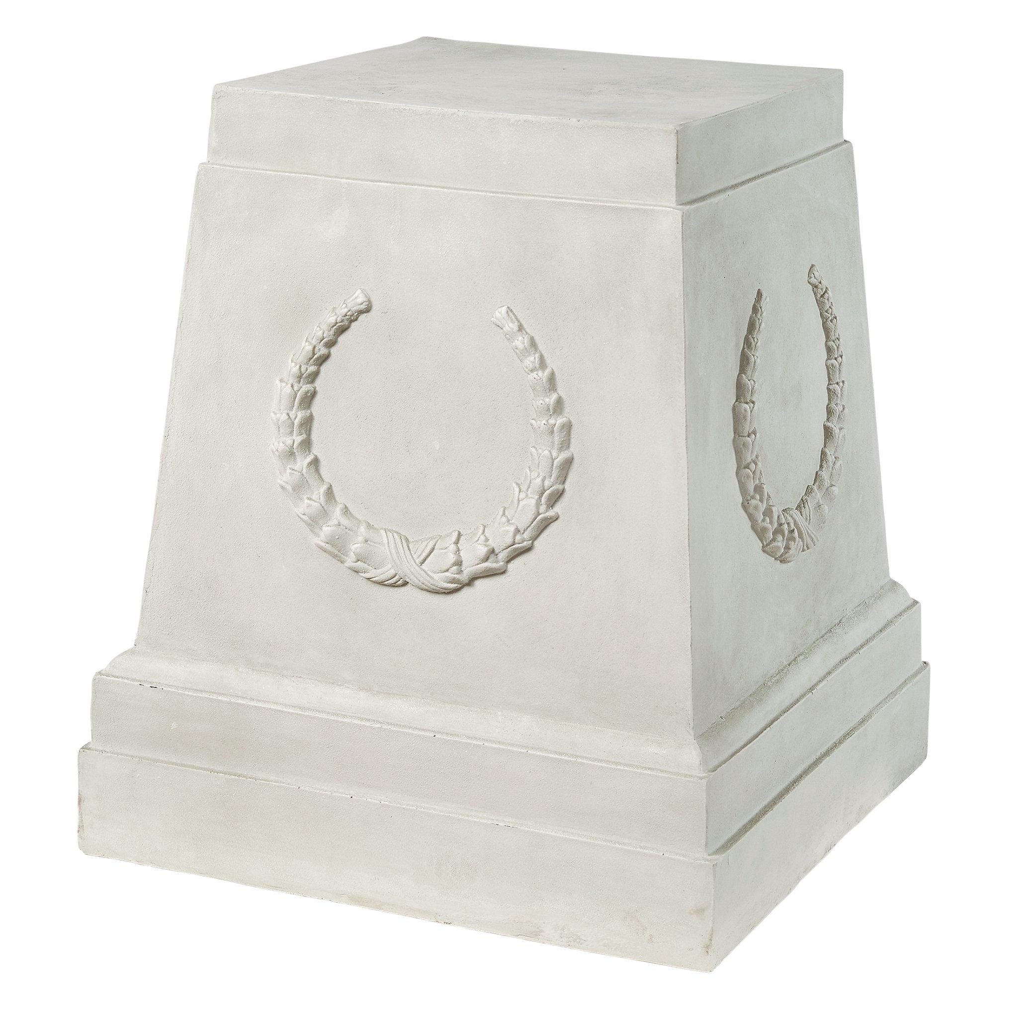 Design Toscano Grande Laurel Pedestal