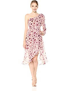 3a8635892483c Amazon.com  for Love and Lemons Theo One Shoulder Top Winter Floral ...