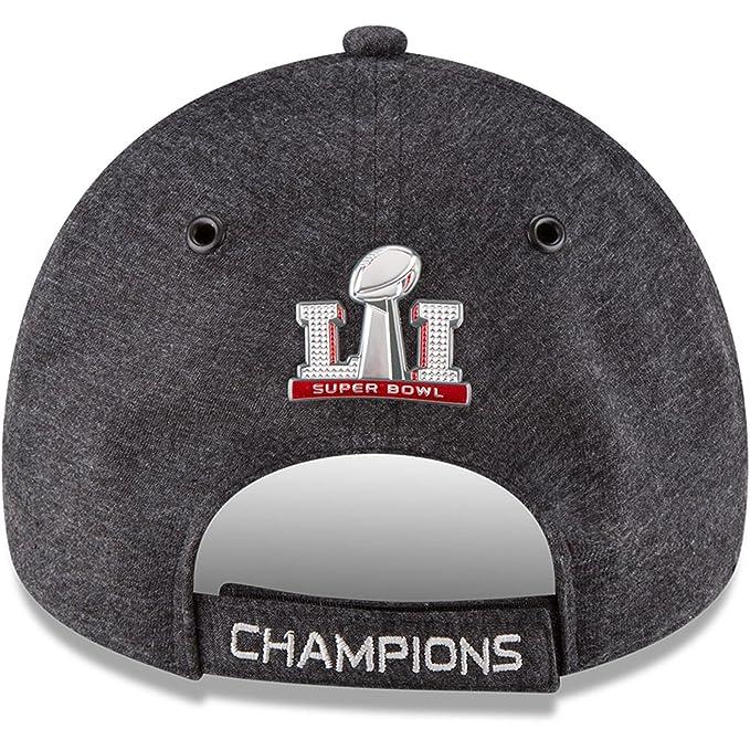 aa25f1ff4b3 Amazon.com   New England Patriots New Era Super Bowl LI Champions Trophy  Collection Locker Room 9FORTY Adjustable Hat Heathered Black   Sports    Outdoors