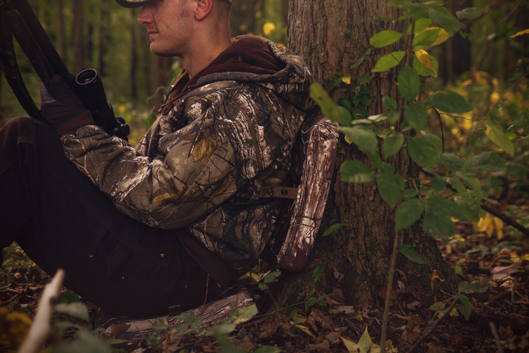 Hunt Comfort Specialist Super Light GelCore Folding Seat, Realtree Xtra by Hunt Comfort (Image #3)