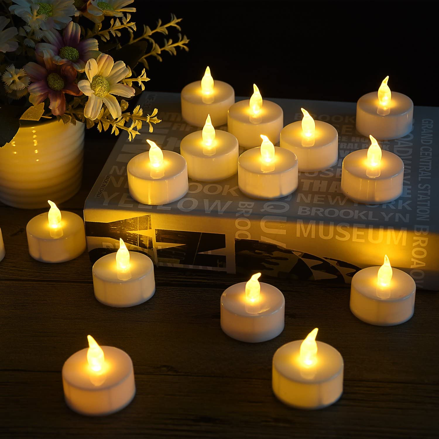 Gifts and Home Decoration Tea Light 100 Pack Flameless LED Tea Lights Candles Flickering Warm White 100+ Hours Battery-Powered Tealight Candle Ideal for Party 100 Birthday Wedding