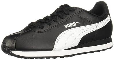 black puma tennis shoes