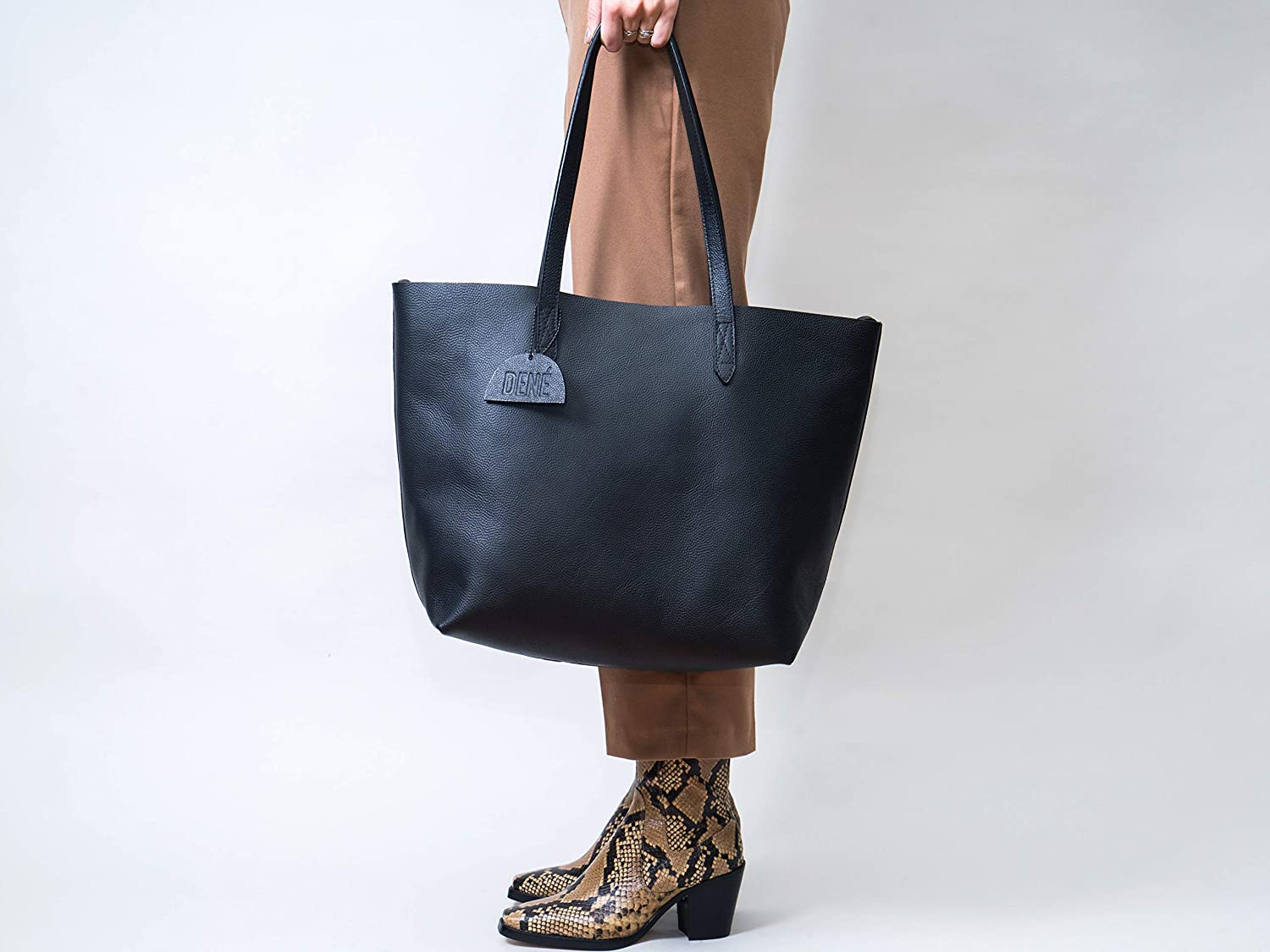 "658ade9b1 Amazon.com: Leather Tote Bag for Women. Made with Genuine Leather. This  Extra Large Black Tote Bag Fits 15"" & 17"" Laptops: Clothing"