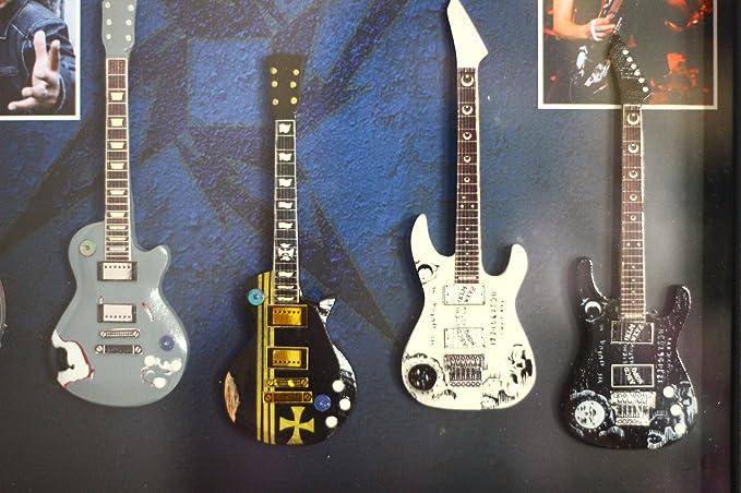 rgm8812 Metallica guitarra en miniatura recogida en el marco de ...