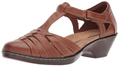 58eaca0a0 Amazon.com  CLARKS Women s Wendy Alto Fisherman Sandal  Shoes