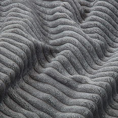 Bedsure Manta Metálica de Franela/Sherpa 150x200cm - Manta Gris de Felpa para Sofa y Cama 90 - Patrón a Rayas Suave y Acogedor