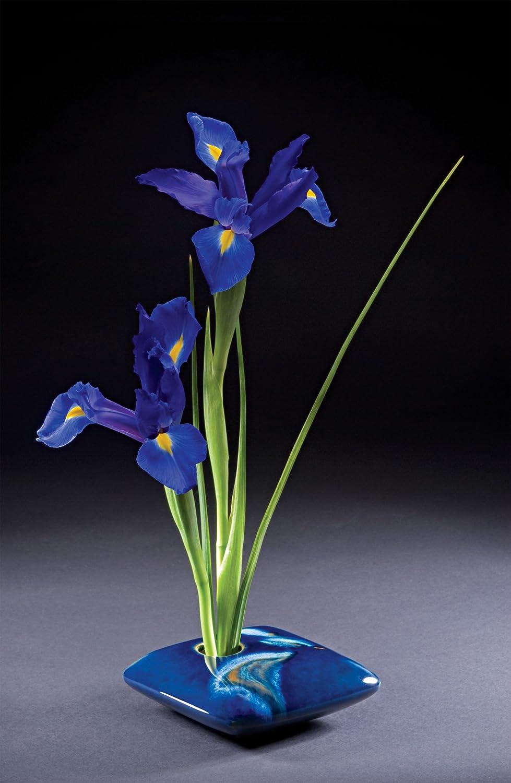 Ivory Wave Georgetown Pottery Square Ikebana Flower Vase