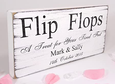 20c23c22b7a115 TheSignSmithUK Personalised - Flip Flops - Free Standing White Vintage  Wedding Sign - Shabby but Chic  Amazon.co.uk  Kitchen   Home
