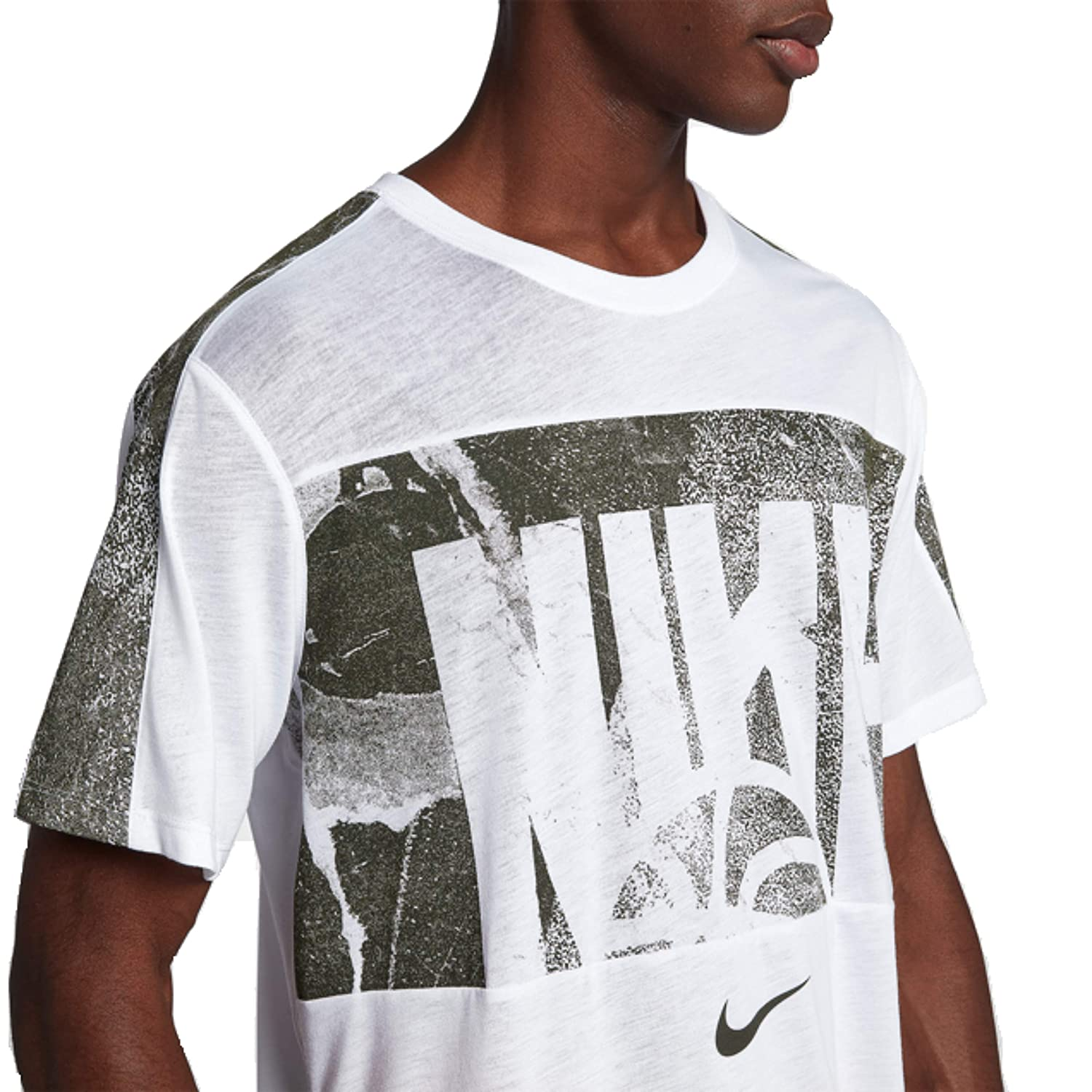 Nike Mens Sportswear Club T-Shirt Shirt for Men with Classic Fit