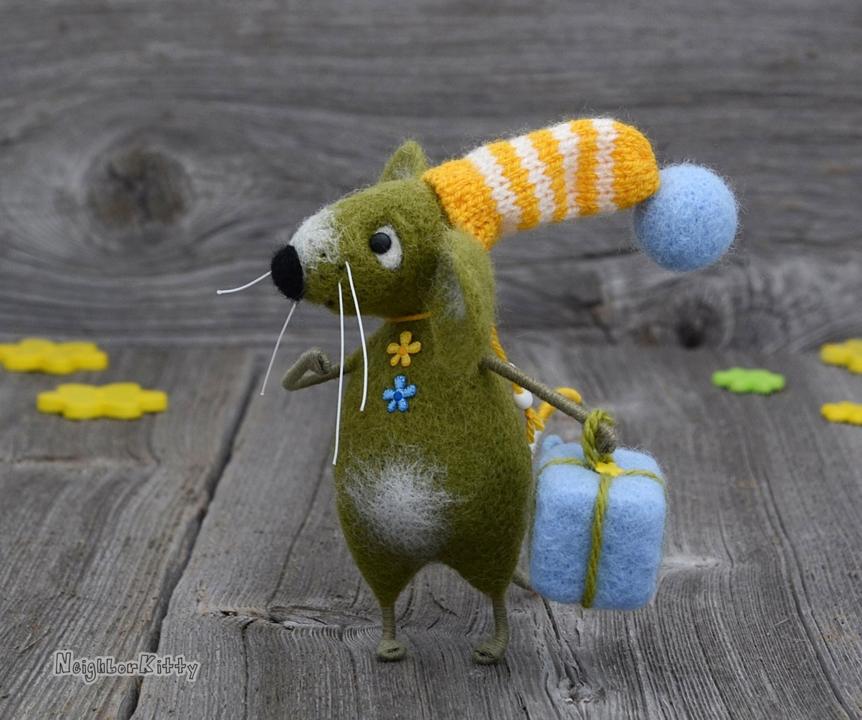 Green Olive Mouse Needle Felting Mice Happy Birthday Gift Felted Animal Wool Rat Soft Sculpture Fiber Art