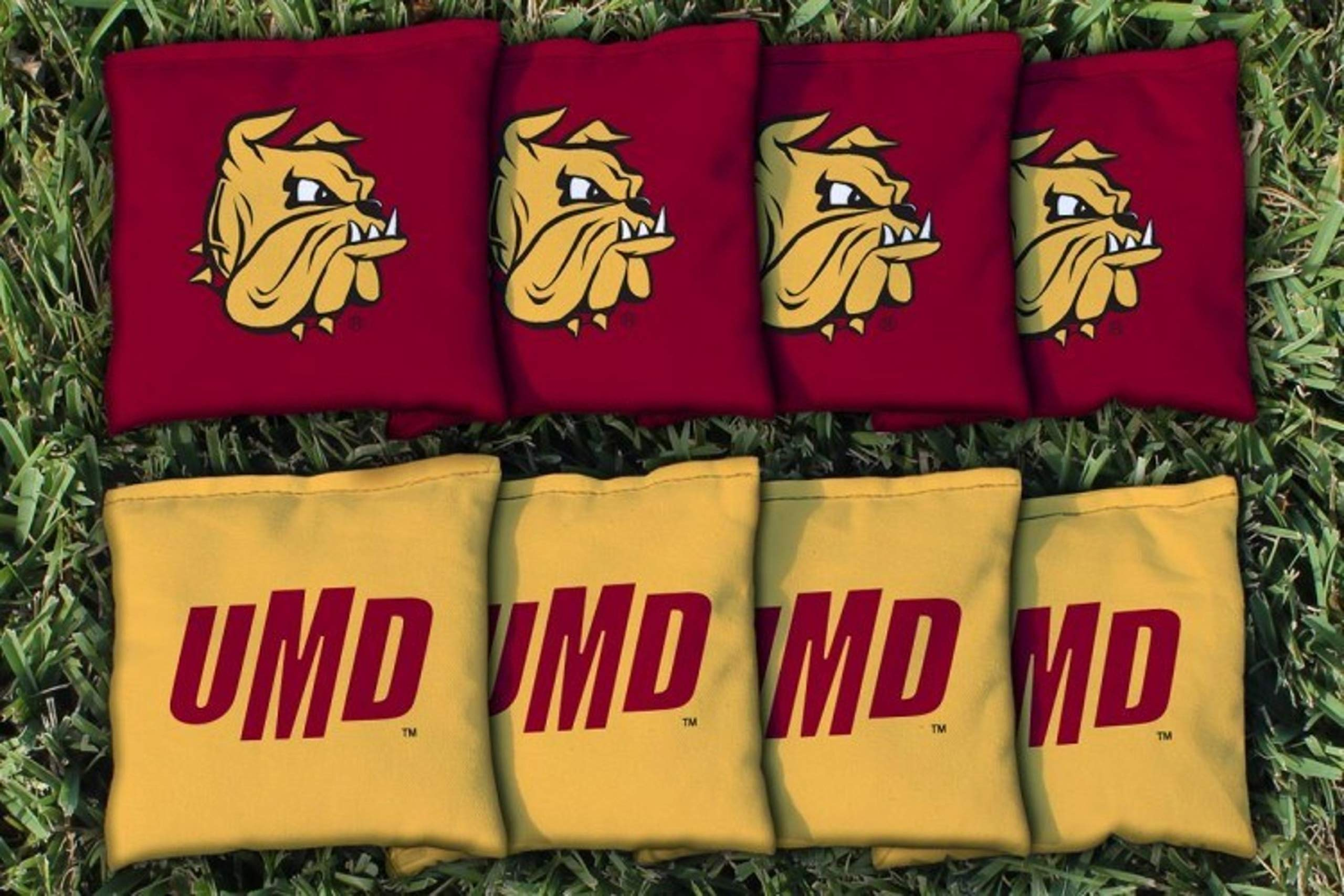Victory Tailgate NCAA Collegiate Regulation Cornhole Game Bag Set (8 Bags Included, Corn-Filled) - Minnesota Duluth Bulldogs by Victory Tailgate
