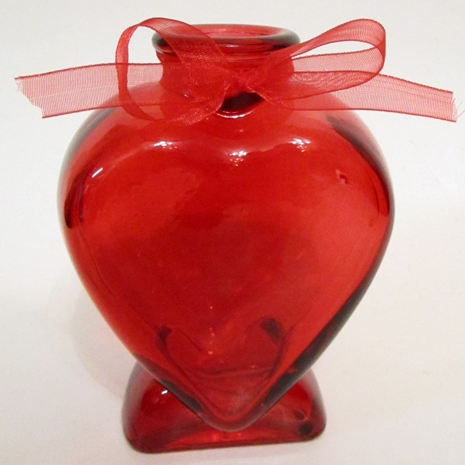 Amazon heart shaped red glass bud vase with bow 5 in home amazon heart shaped red glass bud vase with bow 5 in home kitchen reviewsmspy