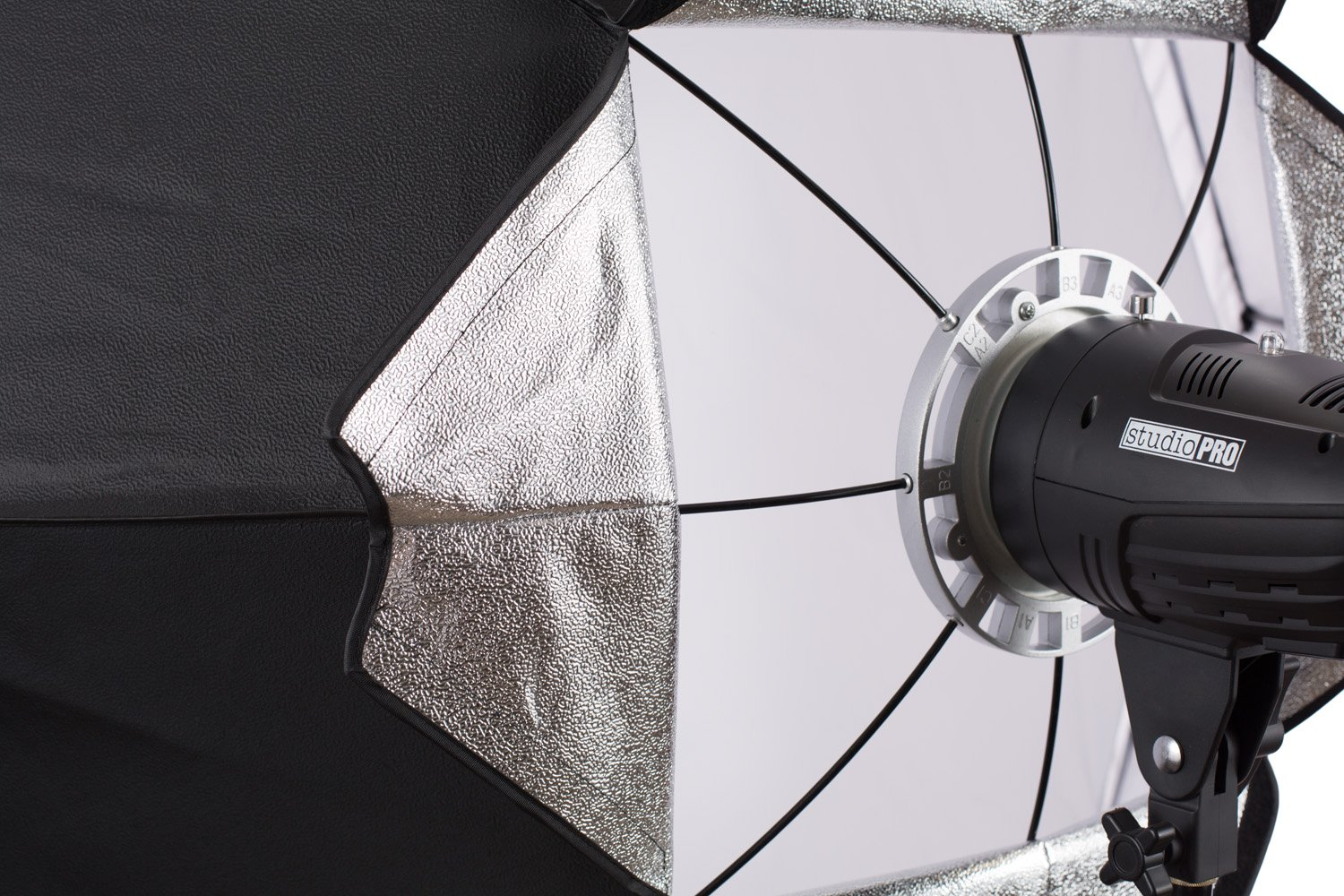 StudioPRO 68 Inch Octagon Softbox Photography Light Diffuser & Modifier with Bowens Speedring Mount For Monolight Photo Studio Strobe Lighting by Fovitec (Image #7)