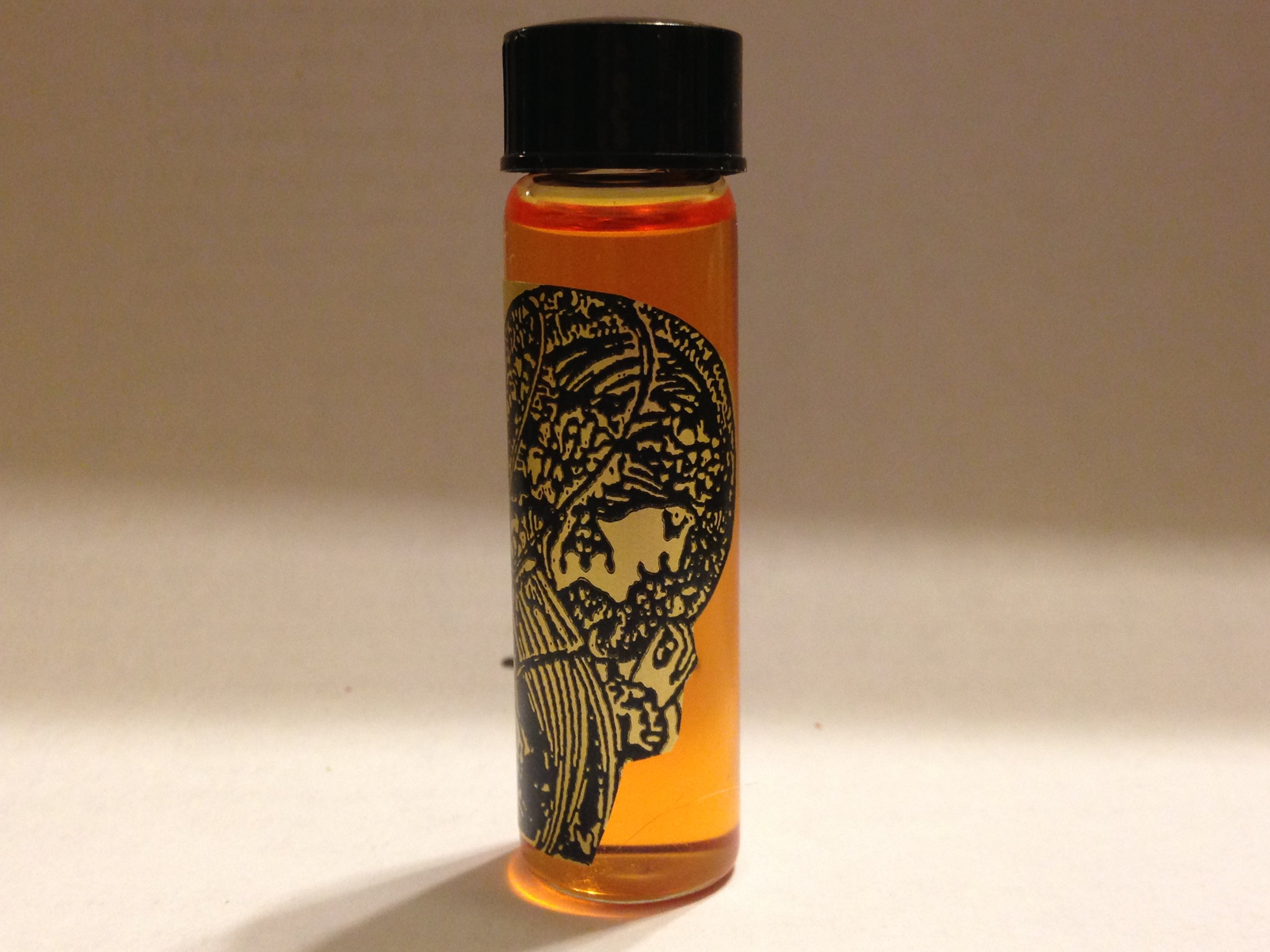Mojo, Scented Magickal Oil 2 Dram Bottle. This lucky formula draws all positive energy to the spell of the spell-caster. It is an all-purpose formula.