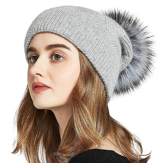 3c68ba8f4e4 KWLET Bonnet Beanie Femme Hiver Bonnet Tendance à Pompon en Vrai Raccon  Fourrure Bonnet Chapeau Tricoté