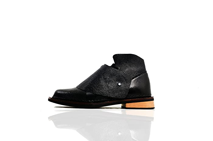 Amazon.com  The Royce 2.0 - The Shoemaker Handmade Hand-Sewn Leather  Cowhide High Boots Shoes Men Women Unisex Unique Black  Handmade 286dc43e33