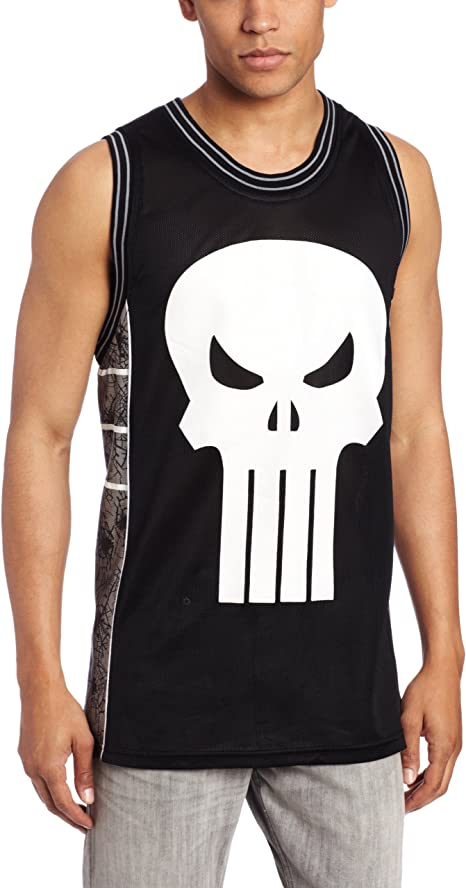 Amazon.com: Marvel de los hombres Punisher Castillo ...