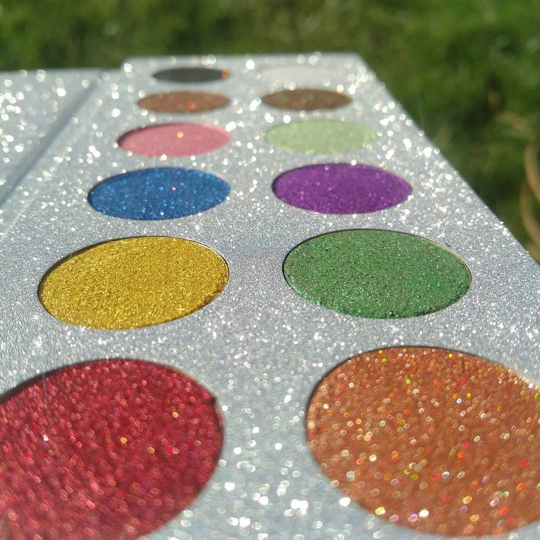 Bright and Glittery Jewels Eye Shadow Palette - 12 well