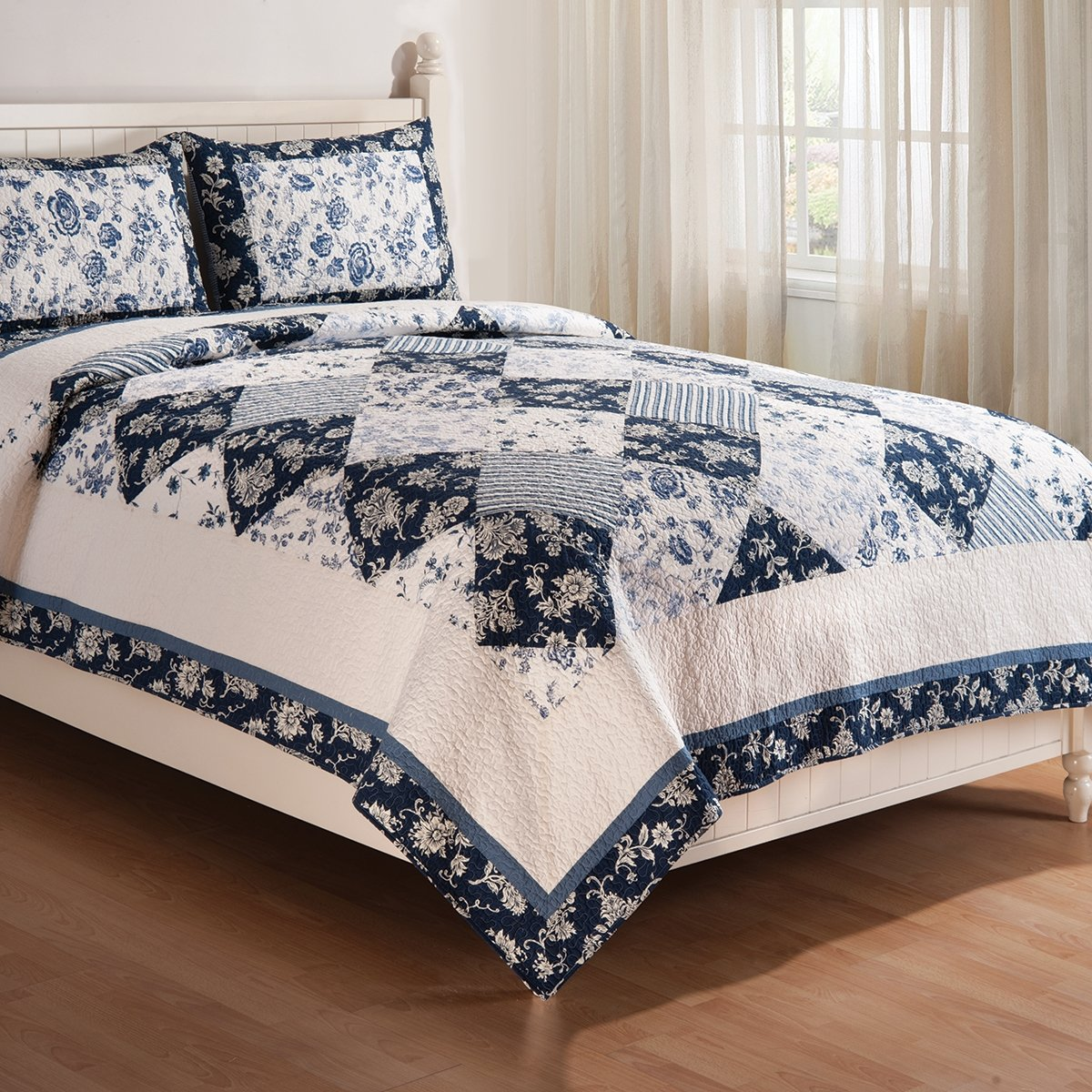 Blue Canton Williamsburg Quilt Set (King Size) by C&F Home