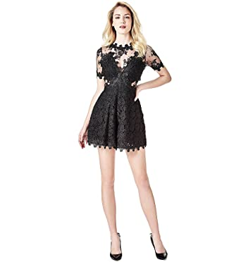ad9a8cac8a8b4 Guess Combishort Lara - Noir - 28  Amazon.fr  Vêtements et accessoires