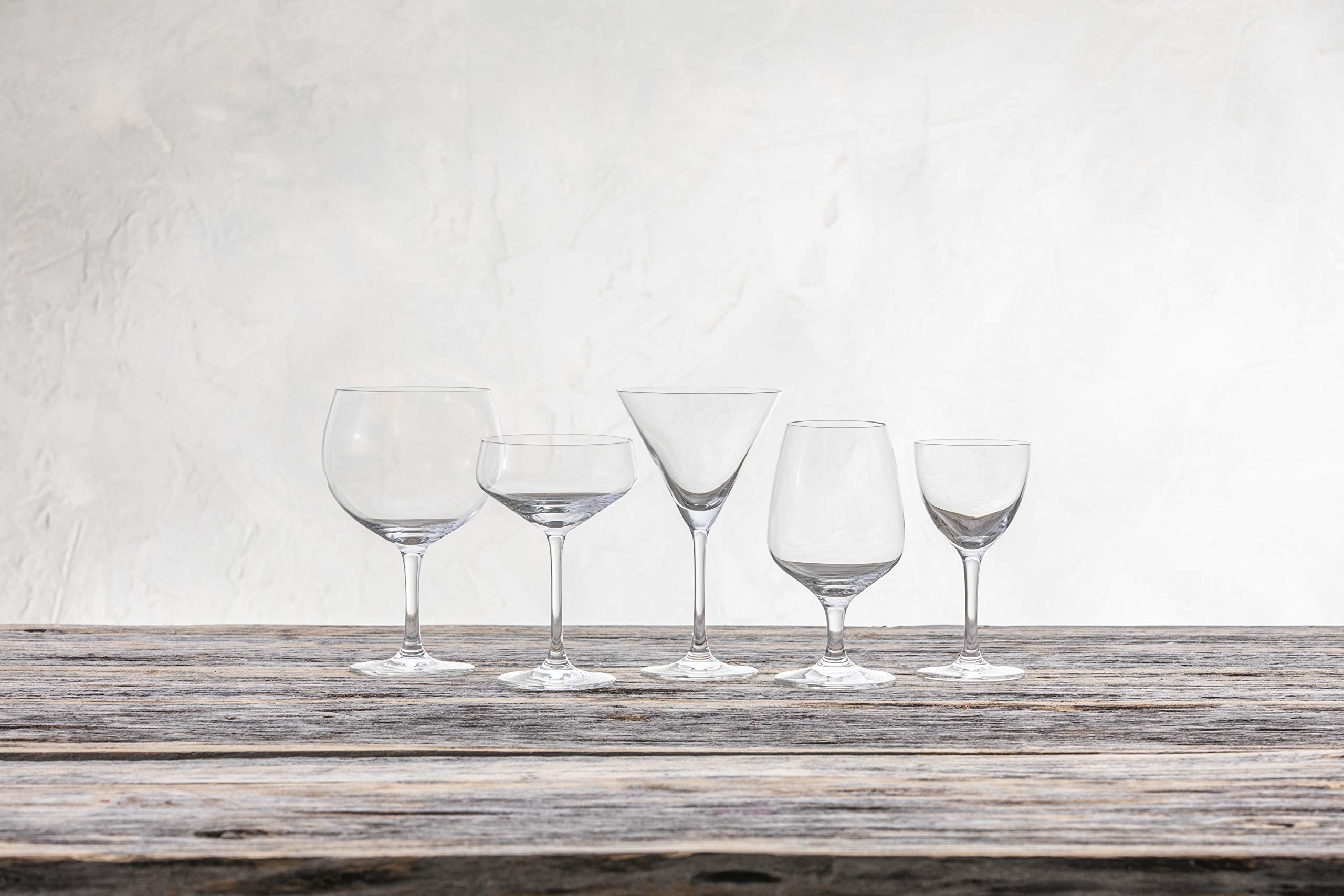 Schott Zwiesel Basic Bar Designed by World Renowned Mixologist Charles Schumann Tritan Crystal Glass, Traditional Martini Cocktail, 6.1-Ounce, Set of 6 by Schott Zwiesel (Image #4)