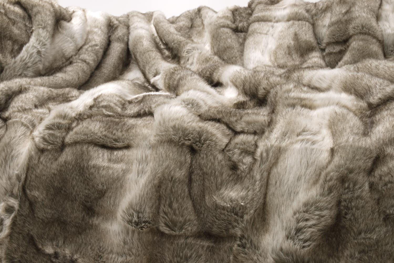Wohnen /& Accessoires XXL Couverture en Fourrure Fausse Fourrure d/'Ours Gris-Beige 150x200cm 260x300cm et Oreiller Oreiller 45x45cm